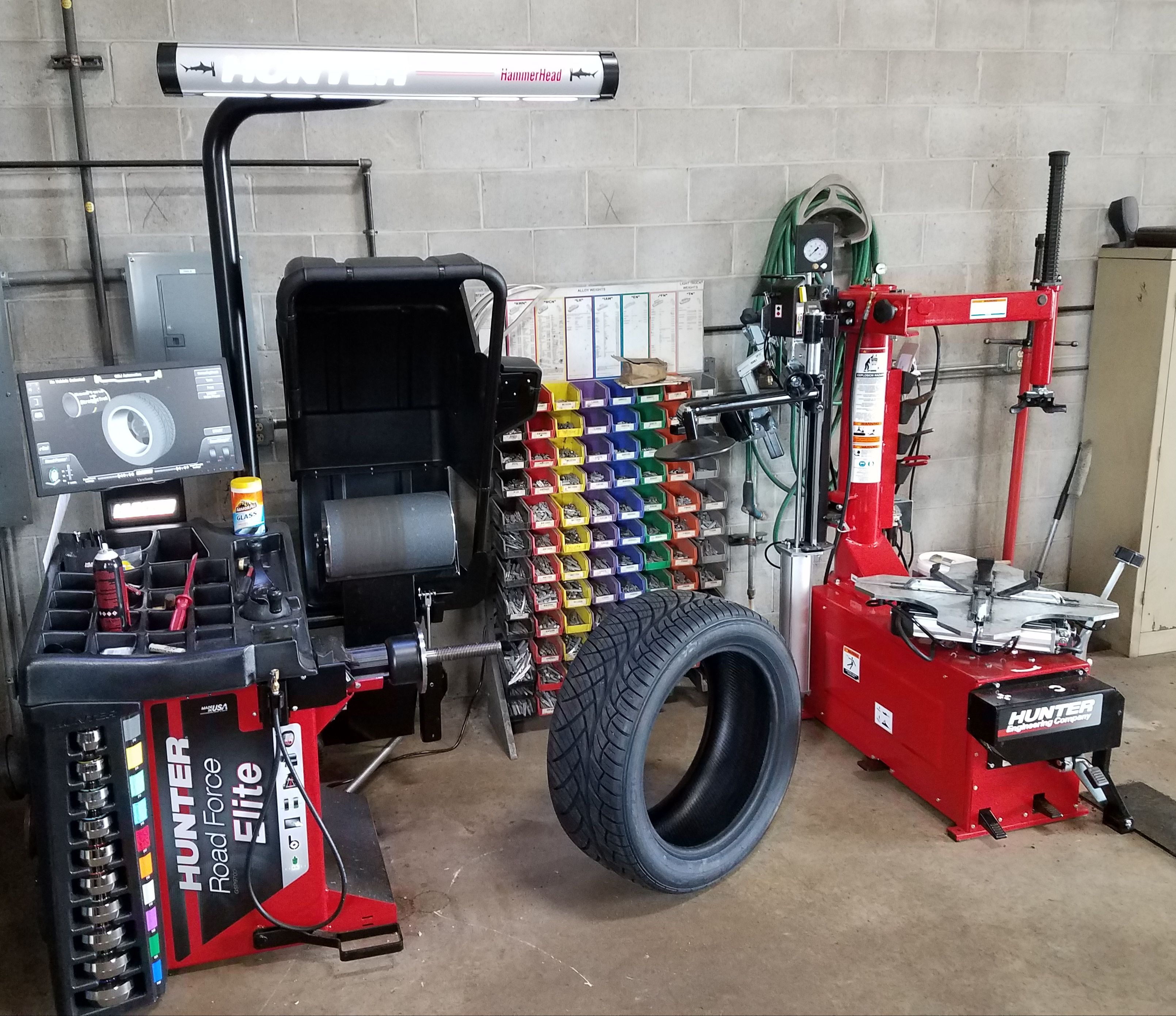Road Force Tire Balancer and Tire Machine-Capable of servicing wheels up to 28 inches
